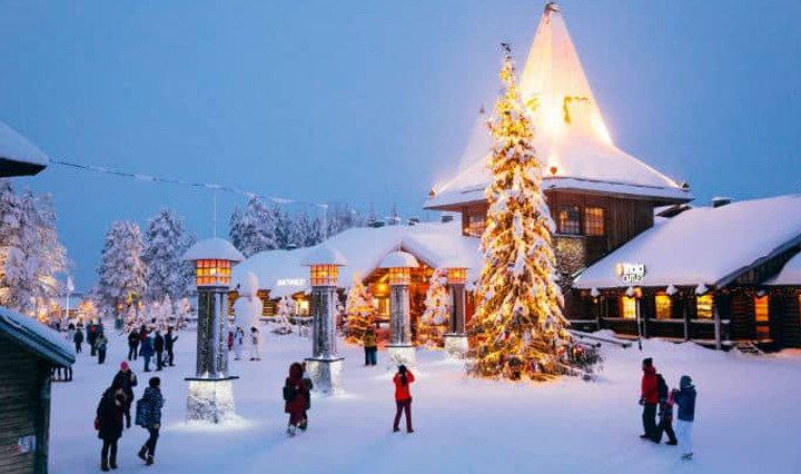 Fly Private For A Perfect Christmas Vacation